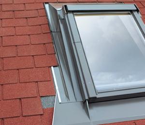 Raccordo per la modifica dell 39 inclinazione di montaggio della finestra esa eza p eha p fakro - Finestre in kit di montaggio ...