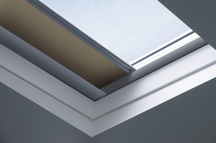 Finestre per tetti piatti tipo c fakro for Dimensioni finestre standard